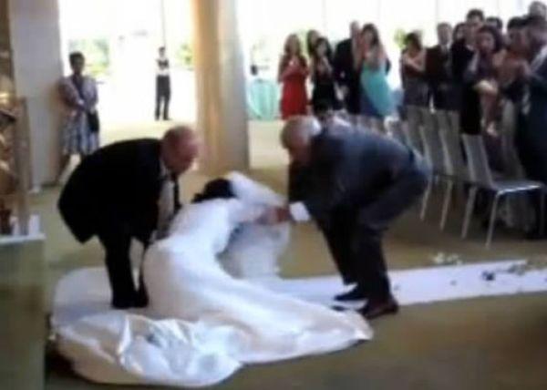 голые девушки на свадьбе фото