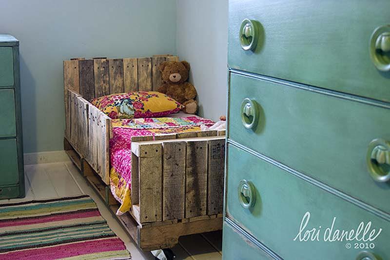 Как обновить старую кровать своими руками мастер класс