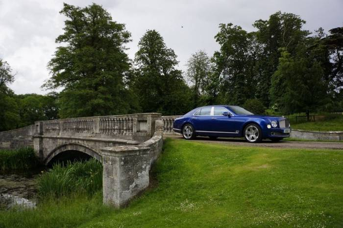 Bentley Mulsanne ���� �� �������� (22 ����)