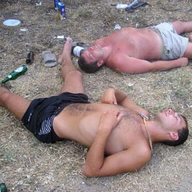 Мужики голые пьяные фото это