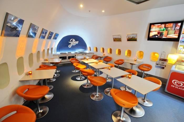 Необычный отель из самолёта Боинг-747 (10 фото)