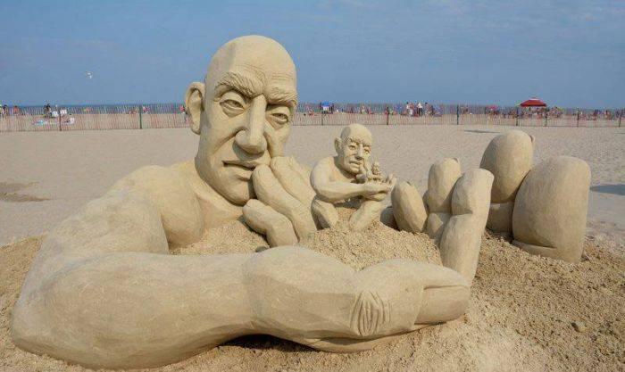 Бесконечная скульптура из песка (6 фото)