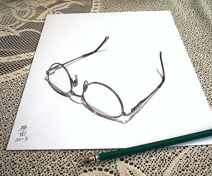 нарисованные рисунки на бумаге: