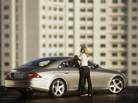 Красивые автомобили и девушки фото